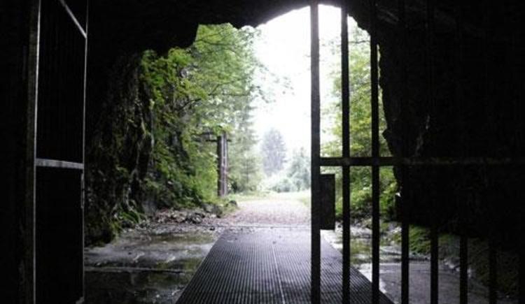 Eingang in den Stollen (© Zeitgeschichtemuseum Ebensee)