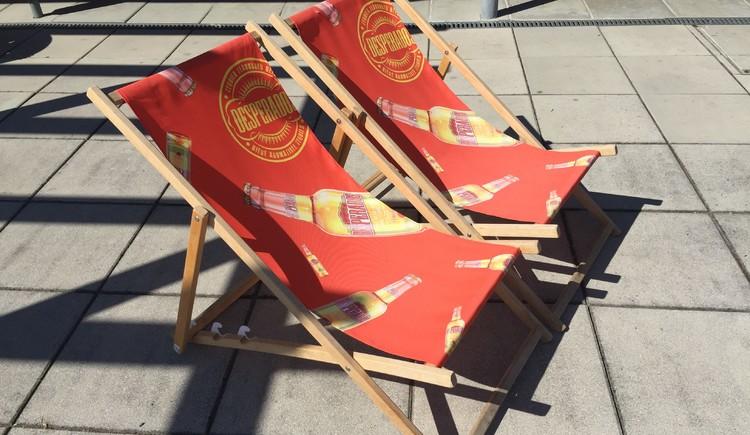 Liegestühle zum Ausleihen. (© Gemeinde Kirchberg ob der Donau)