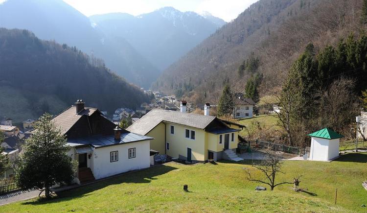 Haus Sonnstein mit eigener Kapelle (© Haus SONNSTEIN zu EBENSEE am Traunsee)
