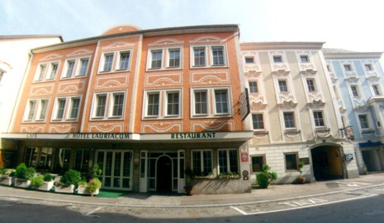 Hotel Lauriacum, Außenansicht