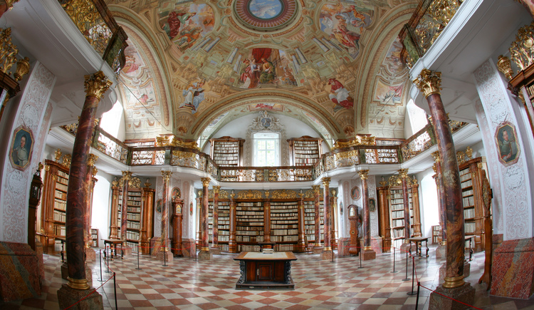 Bibliothek im Stift Schlierbach (© Foto: OÖ Tourismus, Röbl)