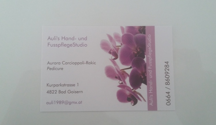 Business card with contact details. Simply call and arrange your personal appointment in the hand and pedicure studio