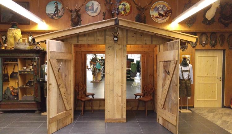 Besuchen Sie das Jagd- und Trachtengeschäft Hickl an der Bundesstraße in Bad Goisern am Hallstättersee.
