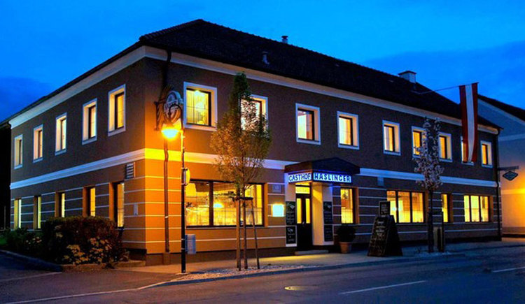 Gasthof Haslinger bei Nacht (© Gasthof Haslinger)