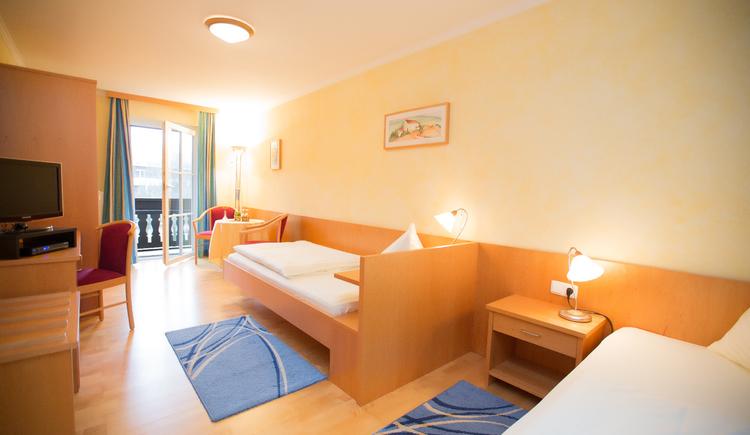 double bedroom, bed and breakfast Maria Theresa in Bad Goisern, Salzkammergut