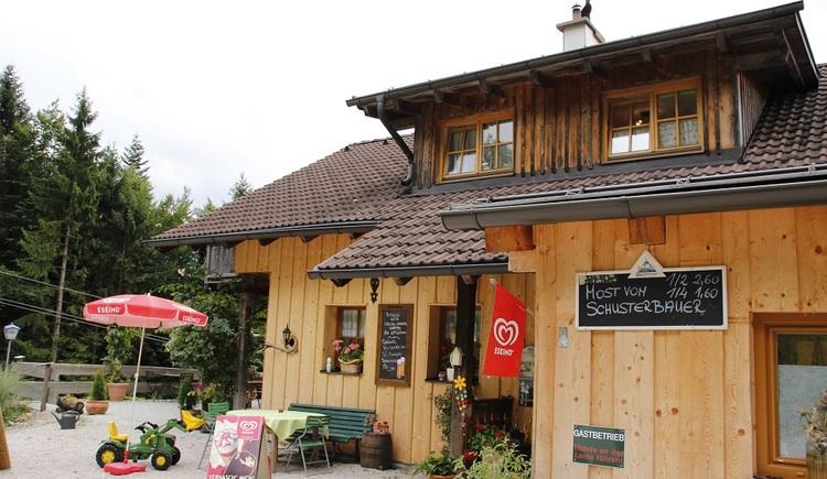 Die Rathlucken Hütte am Anfang des Kinder- und Sagenweges zur Ewigen Wand ist das ideale Familienausflugsziel.