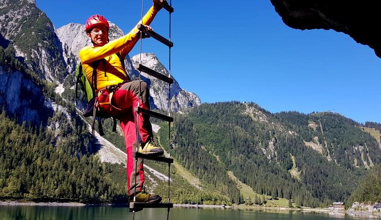 Herbert Laserer am Klettersteig Gosausee 2. (© laserer-alpin.at)
