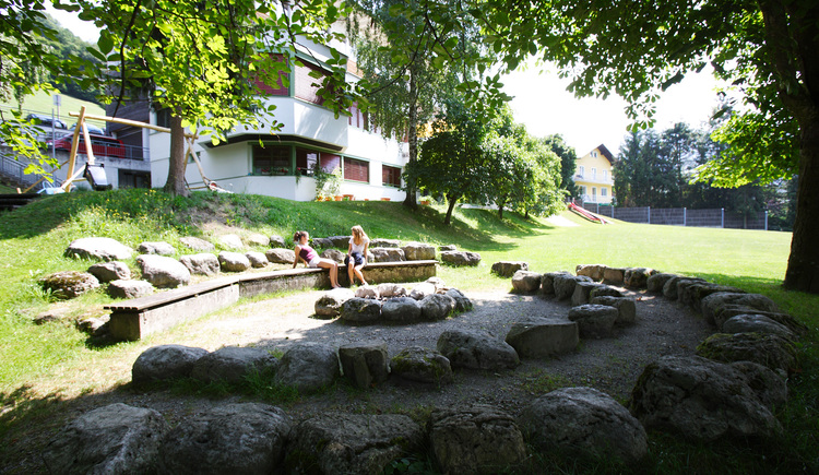 Landes-Jugendhaus Losenstein, Lagerfeuerplatz. (© Land Oberösterreich)