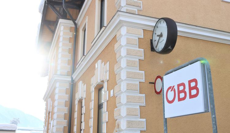 Der Bahnhof von Bad Goisern am Hallstättersee befindet sich im Zentrum. (© Ferienregion Dachstein Salzkammergut)