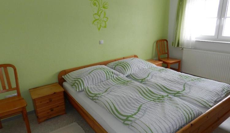 Schlafzimmer (© Bauernhof Obere Wolfsgrub)
