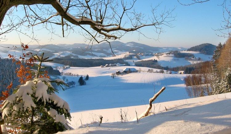 Winterwanderweg rund um Schwarzenberg am Böhmerwald.
