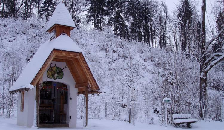 Hubertuskapelle im Winter.jpg (© Bgm. Mag. Reiter)