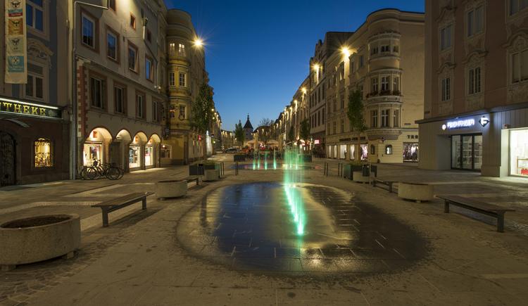 wels_stadtplatz_abend (© Tourismusregion Wels)