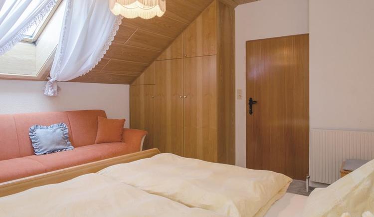 Schlafzimmer in der Ferienwohnung (© Meixner)