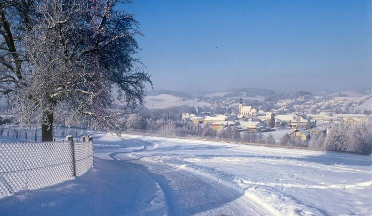 Der ganze Ort von Pfaffendorf aus. (© Josef Neumayr, Pichl)