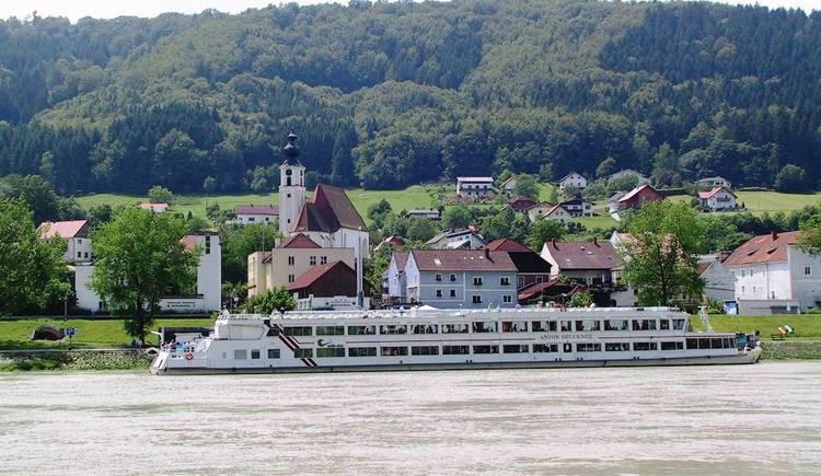 Donau-Schiff.jpg