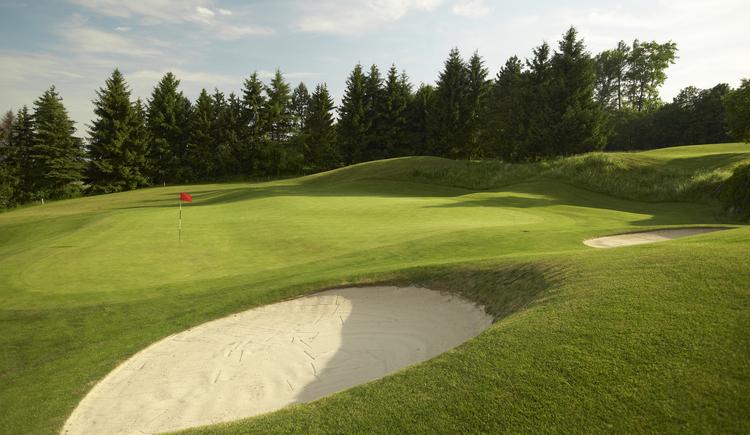 Hole 14 (© Leading Golf Courses / www.severnimages.com)