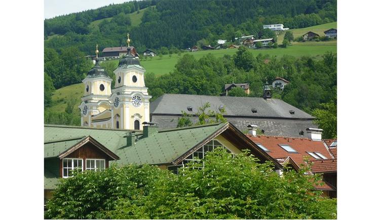 Ausblick vom Ferienhaus auf die Basilika St. Michael