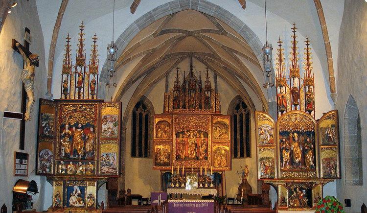 Einer der kulturellen Höhepunkte dieses Wanderwegs sind die gotischen Flügelaltäre in Waldburg.