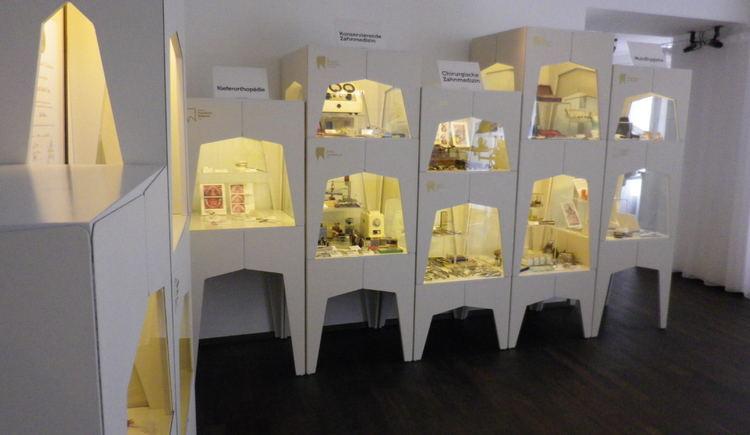 Zahnmuseum Linz - Blick in die Ausstellung
