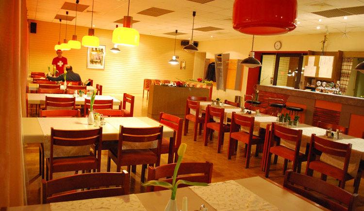 Hallenbad Restaurant (© Fam. Schöppl)
