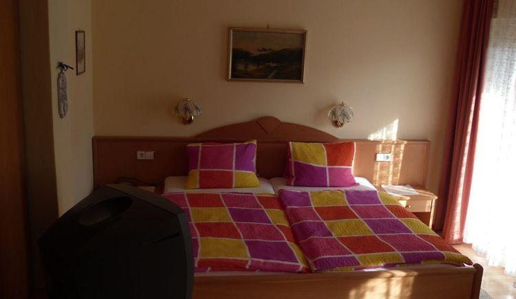 Schlafzimmer Kalmberg (© Fettinger)