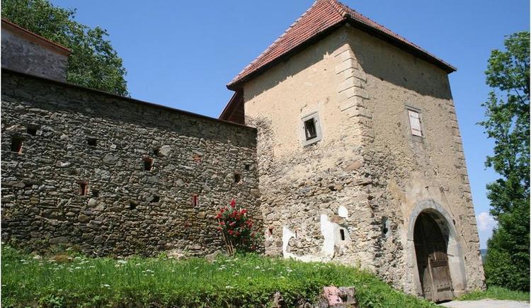 Burgeingang (© Kulturverein Burg Piberstein)