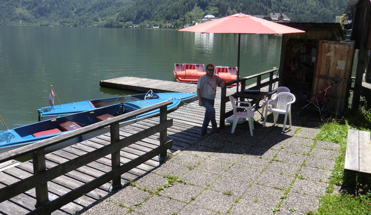 Rental of pedal boats and electric boats, possible to rent directly on site. (© Ferienregion Dachstein Salzkammergut)