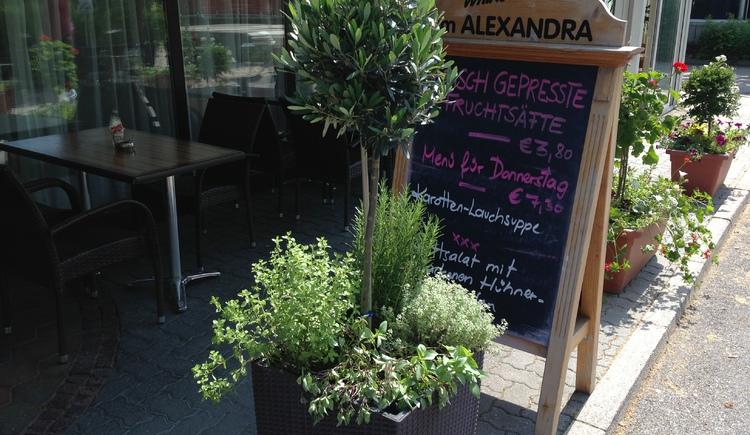 Freundlich und Gemütlich. Willkommen im Cafe Restaurant Alexandra in Ried im Innkreis.