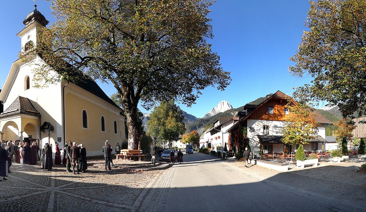 Ortszentrum Hinterstoder im Herbst (© Gemeinde Hinterstoder/Schachner)