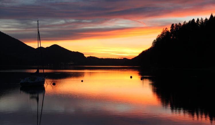 Sonnenuntergang am Fuschlsee. (© Albert Ferstl)