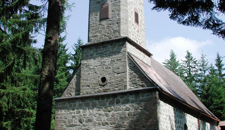 Die Waldkapelle Maria Rast lädt ein zum Innenhalten