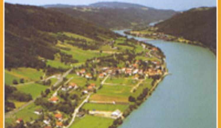 Luftbild von Wesenufer