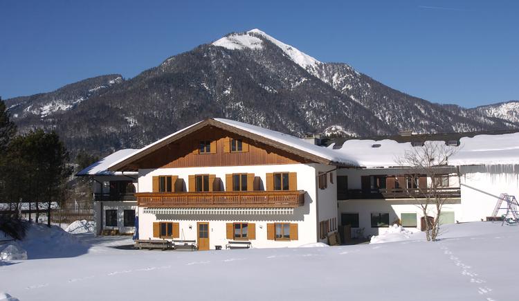 Gasthof zur Wacht im Winter.