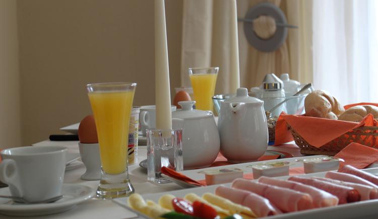 Frühstück. (© Pension Waldesruh)