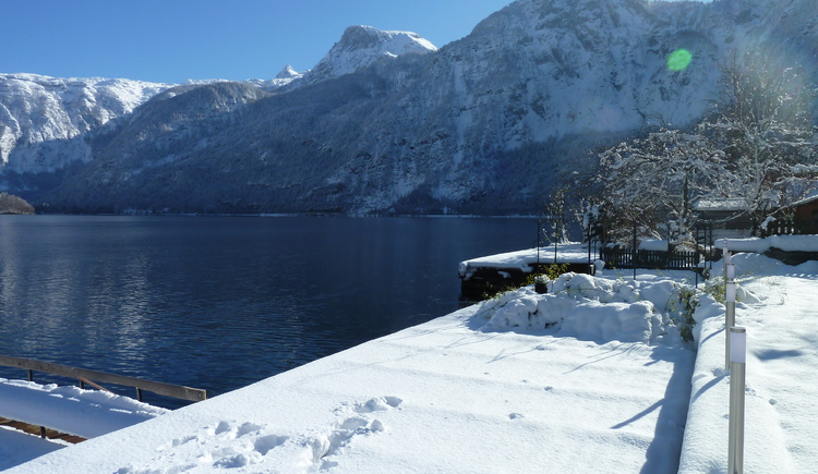 Also in winter you have a beautiful view over the Lake Hallstatt.