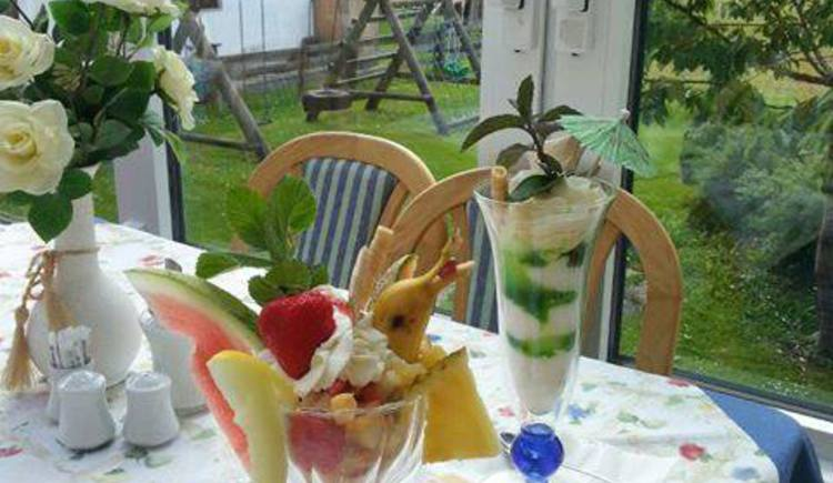Delicious ice cream cups. (© Hotel Gasthof Gosauschmied)