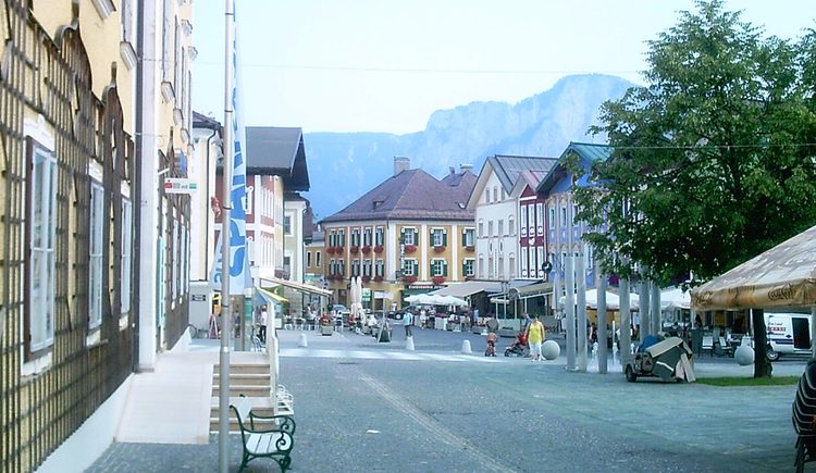 view in the centre of Mondsee