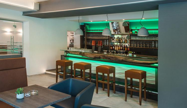 Blick auf die Bar im Cafe Restaurant Sailer in Seewalchen am Attersee