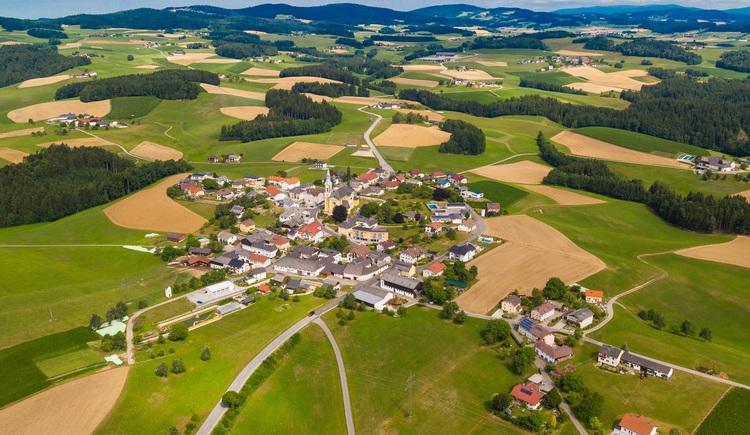 Ortsbild Luftaufnahme (© Gemeinde Niederkappel)