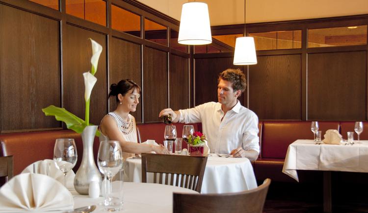 """Gönnen Sie sich einen romantischen Abend im Restaurant \""""Das Kainz\"""" im Zentrum von Hallstatt."""