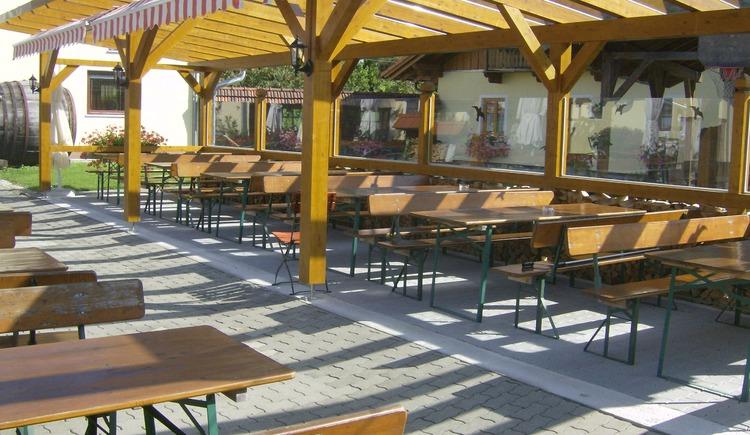 Weilbacher Mostbauer - genießen Sie Most und Brettljause in unserem gemütlichen Gastgarten