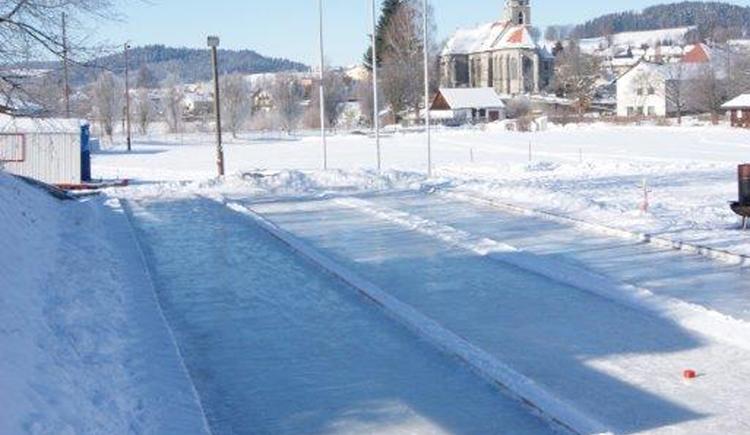 Eisbahn (© ASKÖ Sport- und Freizeitverein St. Oswald/Fr)