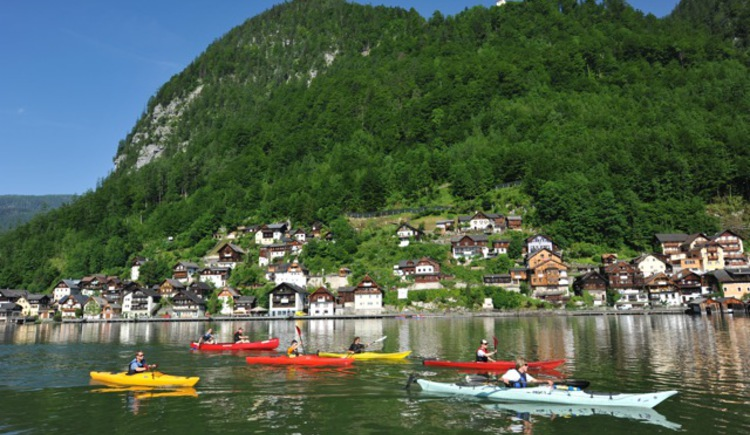 You can do a canoe tour on the Lake Hallstatt