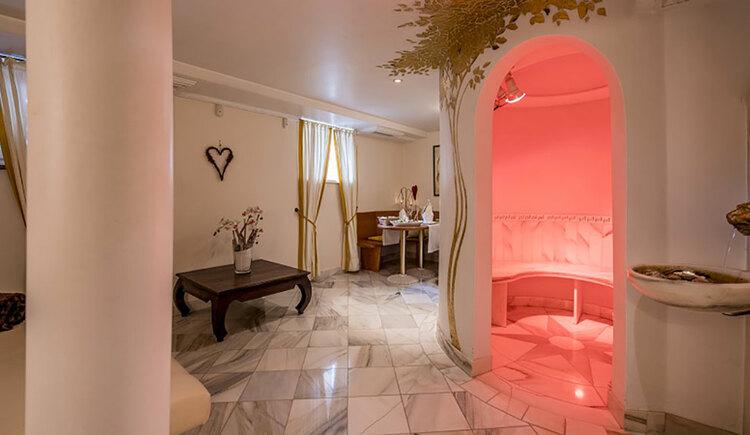 Private spa, wellness area. (© Karin Lohberger)