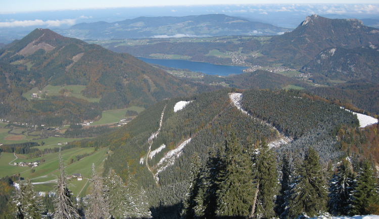 View from the peak to lake Fuschlsee (© Tourismusverband Faistenau)