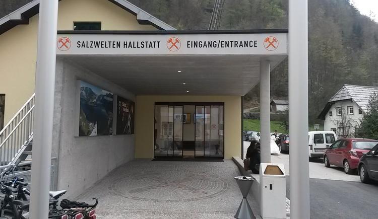Eingang in das Besucherzentrum der Salzwelten in Hallstatt
