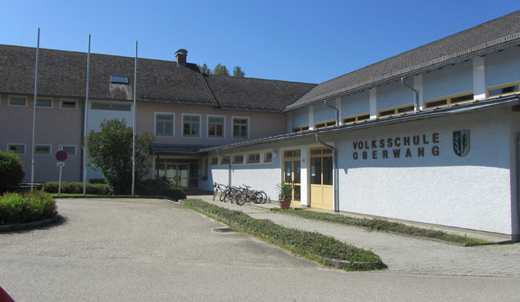 look at the Primary School. (© Tourismusverband MondSeeLand)