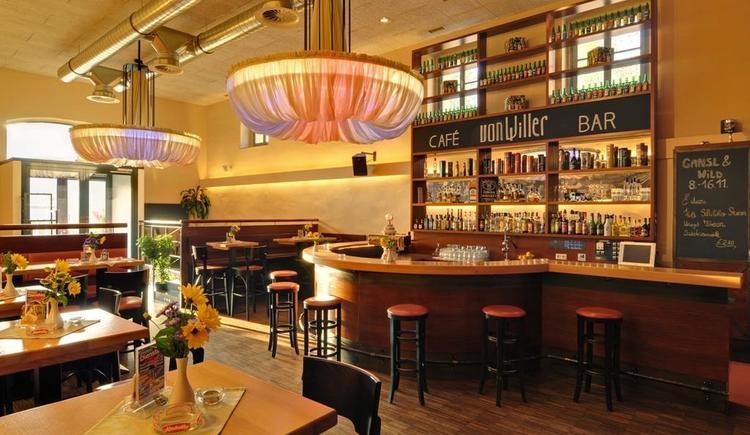 Bar (© Vonwiller)