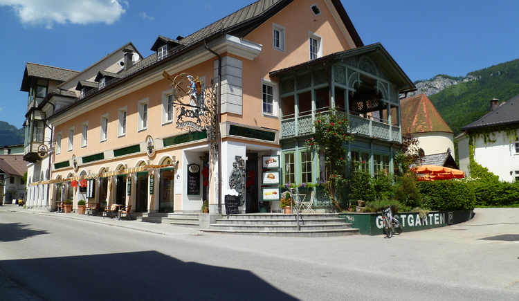 The Café Maislinger is located near the market square in Bad Goisern.